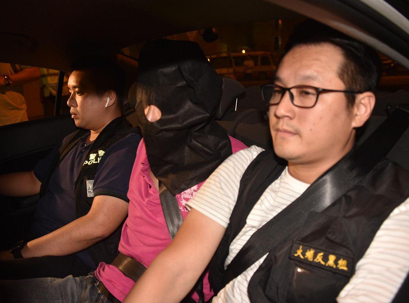 警方周一先後拘捕6名涉案男子。