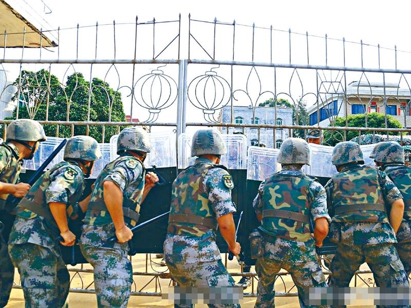 解放軍陸軍第七十四集團軍官方微博「鋼鐵先鋒號」昨天圖文並茂報道。