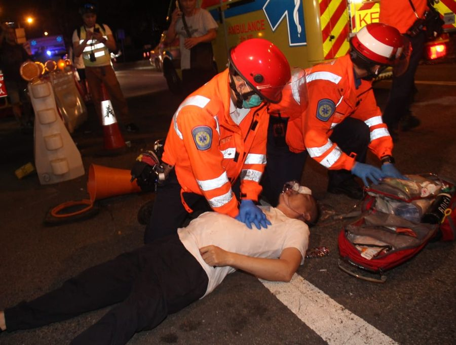 傷者包括一名元朗黑幫叔父「飛天南」。