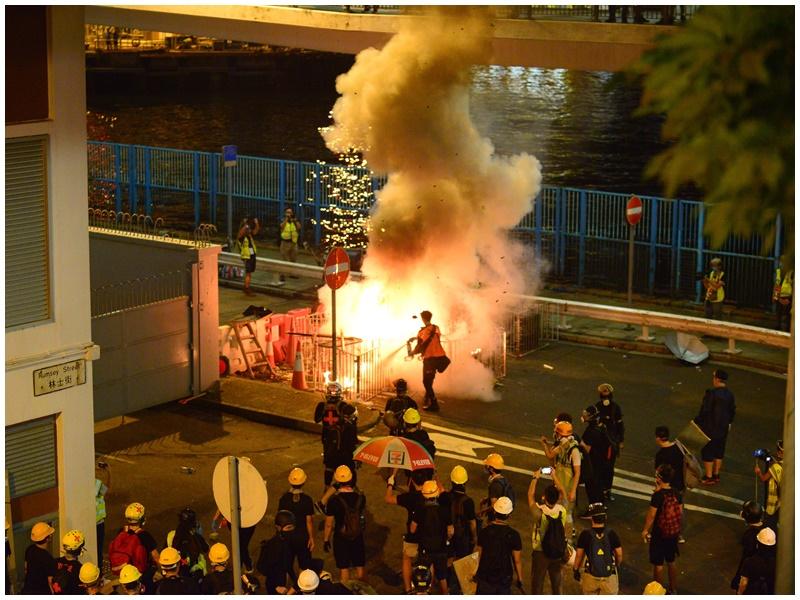 警方指上環周日晚有人縱火。資料圖片