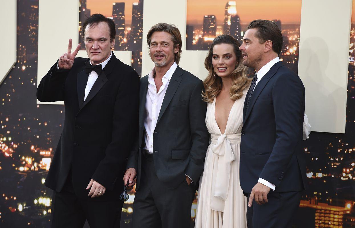 導演昆頓塔倫天奴、畢彼特、瑪歌羅比及里安納度狄卡比奧出席新片首映。AP