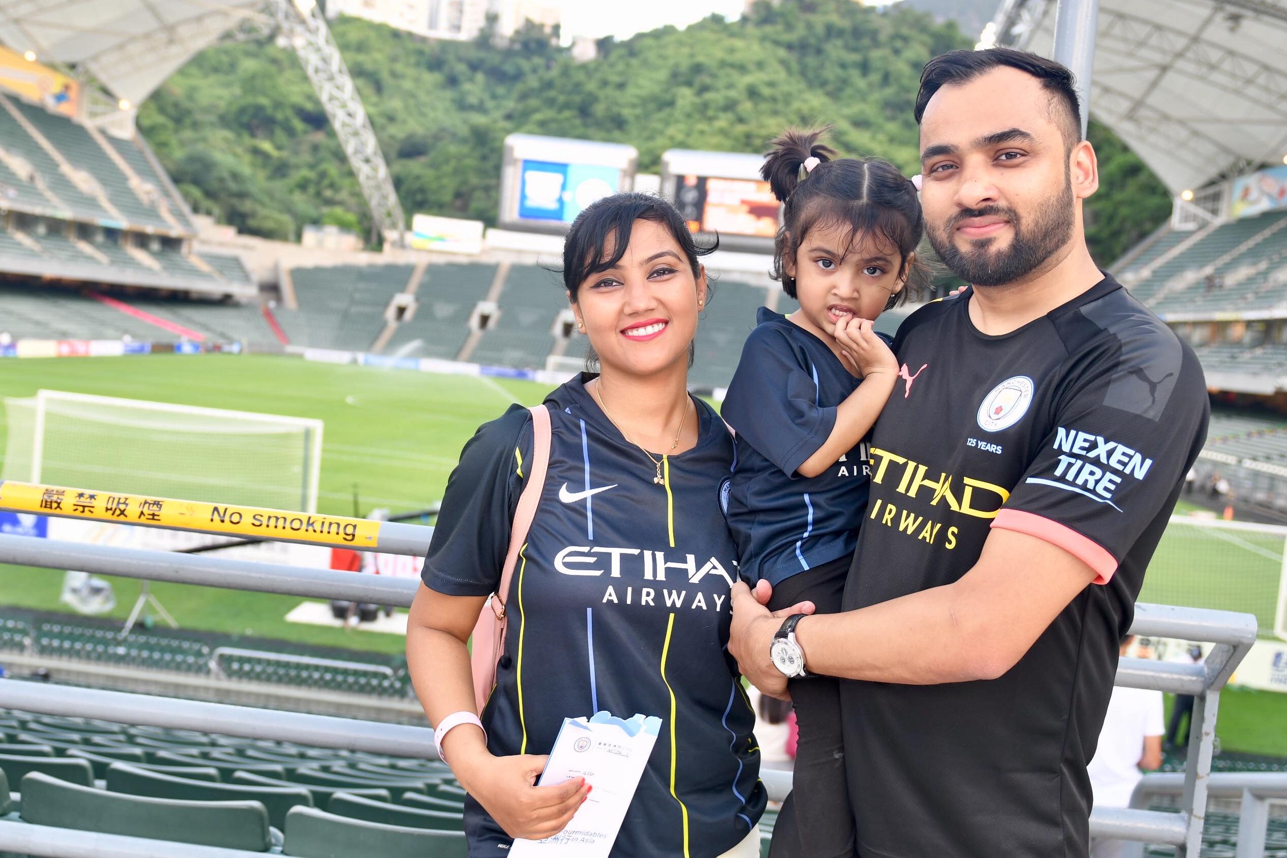 印度球迷專程來港欣賞球賽,大讚香港舉辦大型體育活動經驗豐富。梁柏琛攝