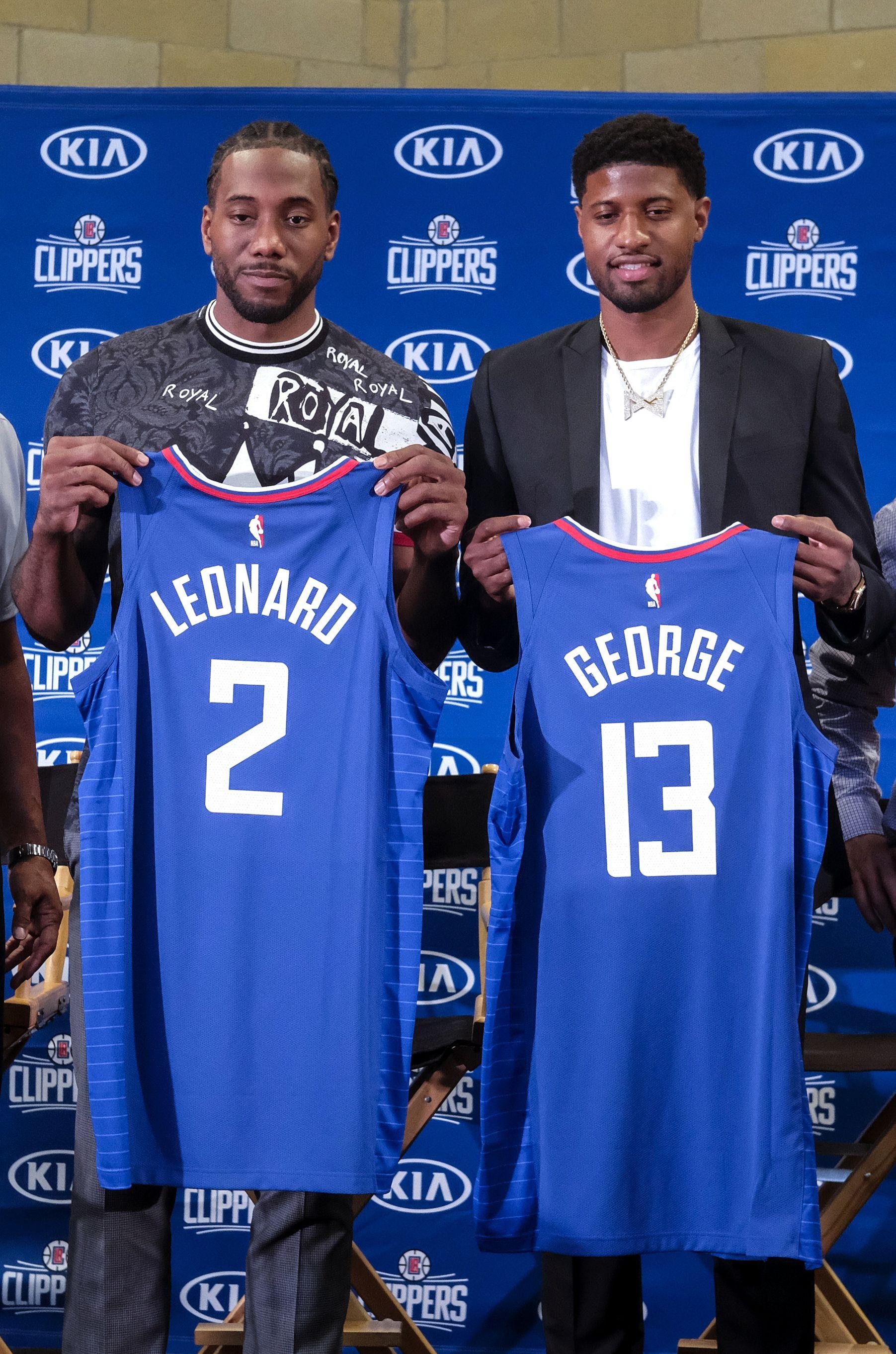 李安納(左)和保羅佐治分別穿二和十三號球衣。AP