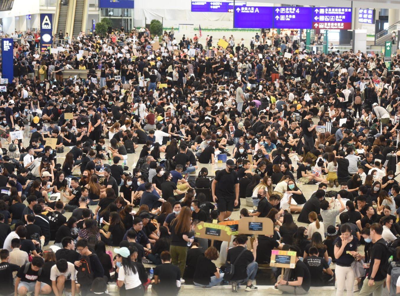 發起人指,過去9小時內,大約有1.5萬人參與。