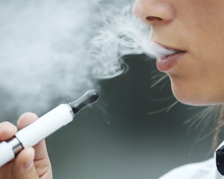 世衞最新報告指電子煙及加熱煙有害健康。網圖
