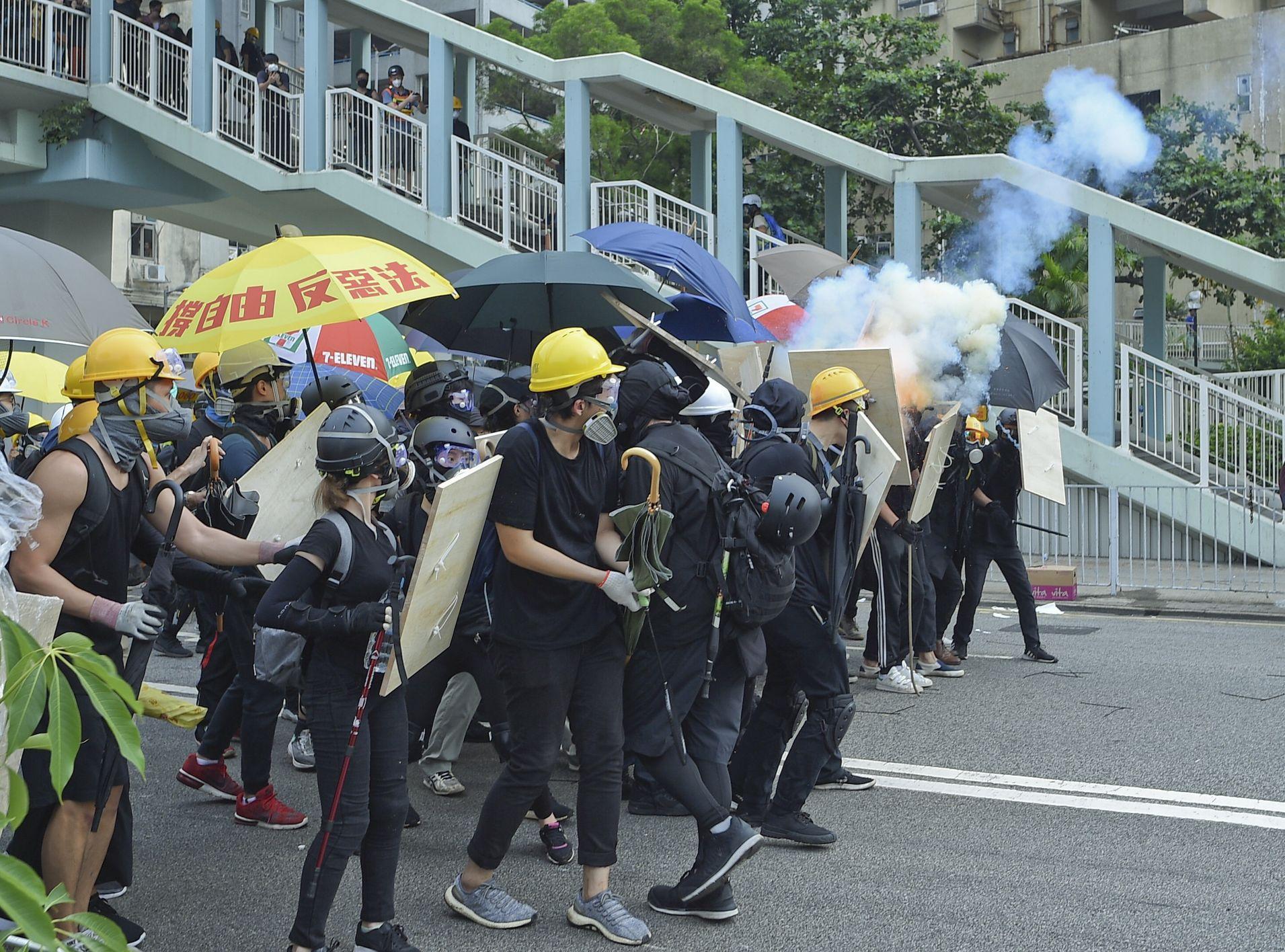 建制派指,有配備裝備的示威者於昨日進行非法集結。資料圖片