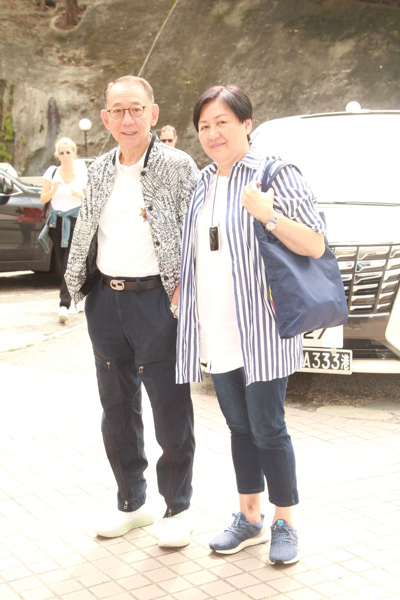華哥十分感激楊受成火速提供協助,把他平安由內地送回港繼續治療。