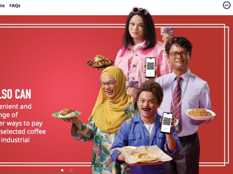 新加坡藝人周崇慶為Epay拍攝宣傳照片,扮印度人和穆斯林婦女。 網圖