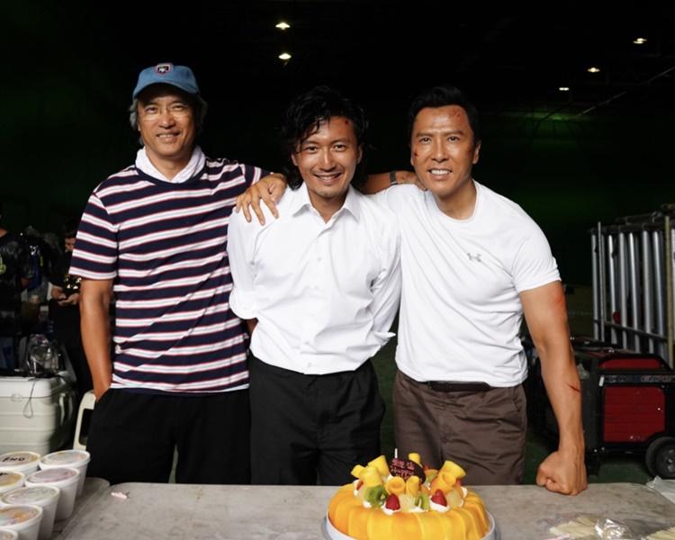 導演陳木勝、謝霆鋒齊為甄子丹慶生。