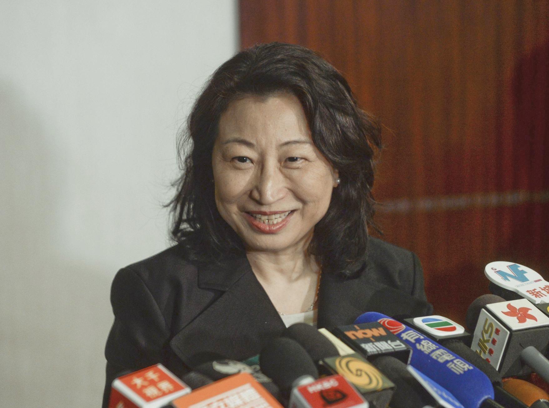 律政司指,鄭若驊一直都是按照以上原則處理所有案件。資料圖片