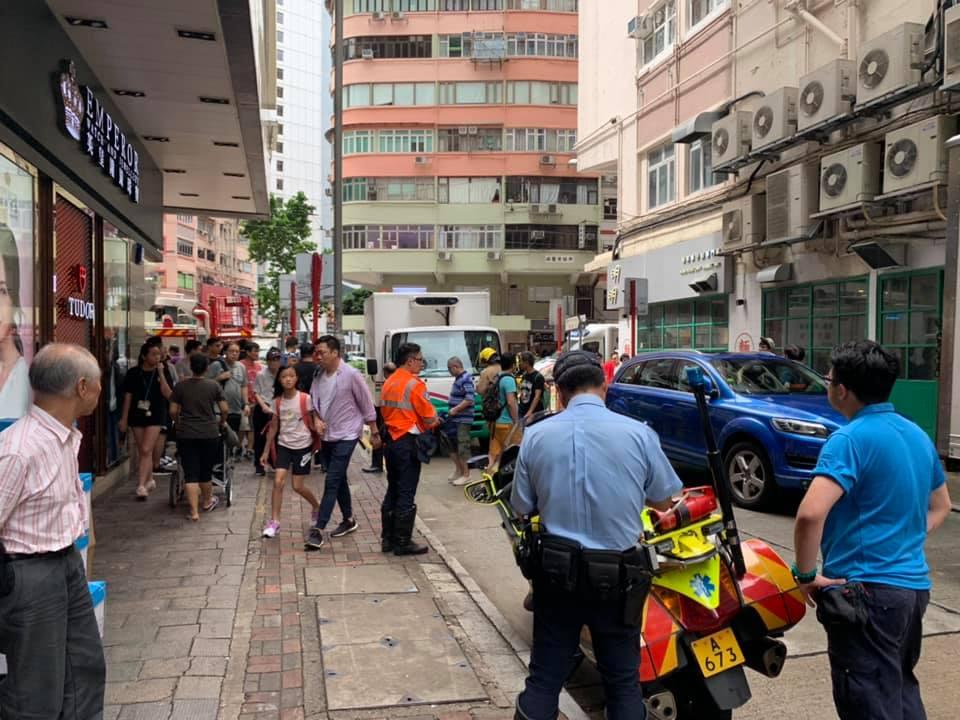 警方在場調查。 香港突發事故報料區FB/網民SKelvin MA圖