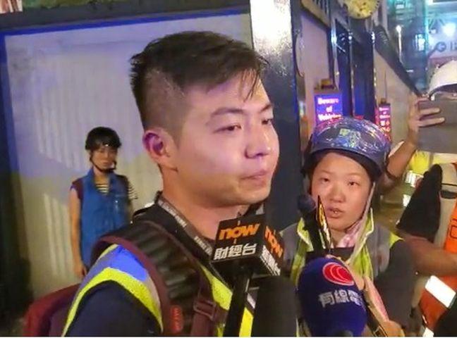 警方一度帶走一名在場的大公報記者