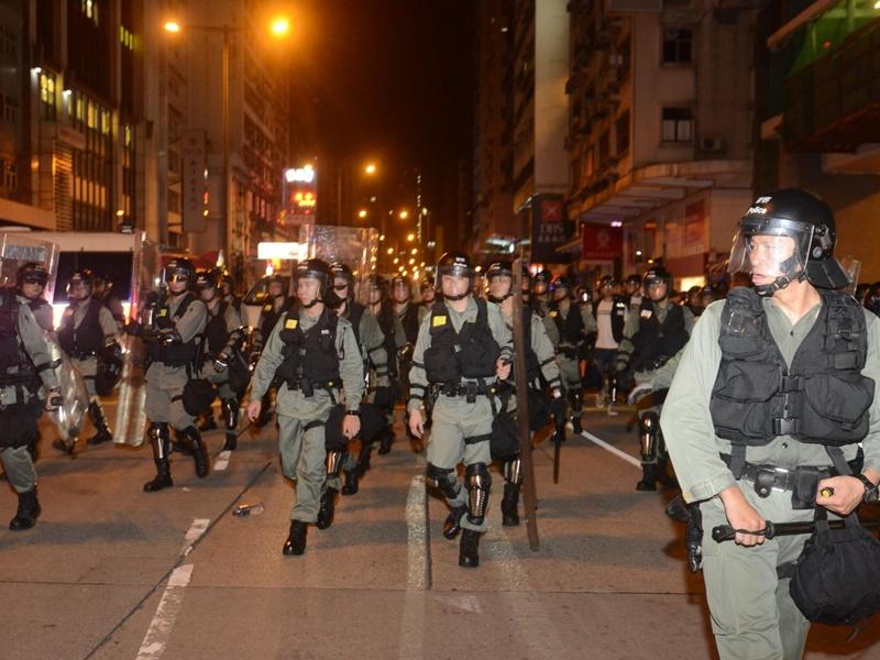 警方澄清解放軍混入防暴警說法是謠言。