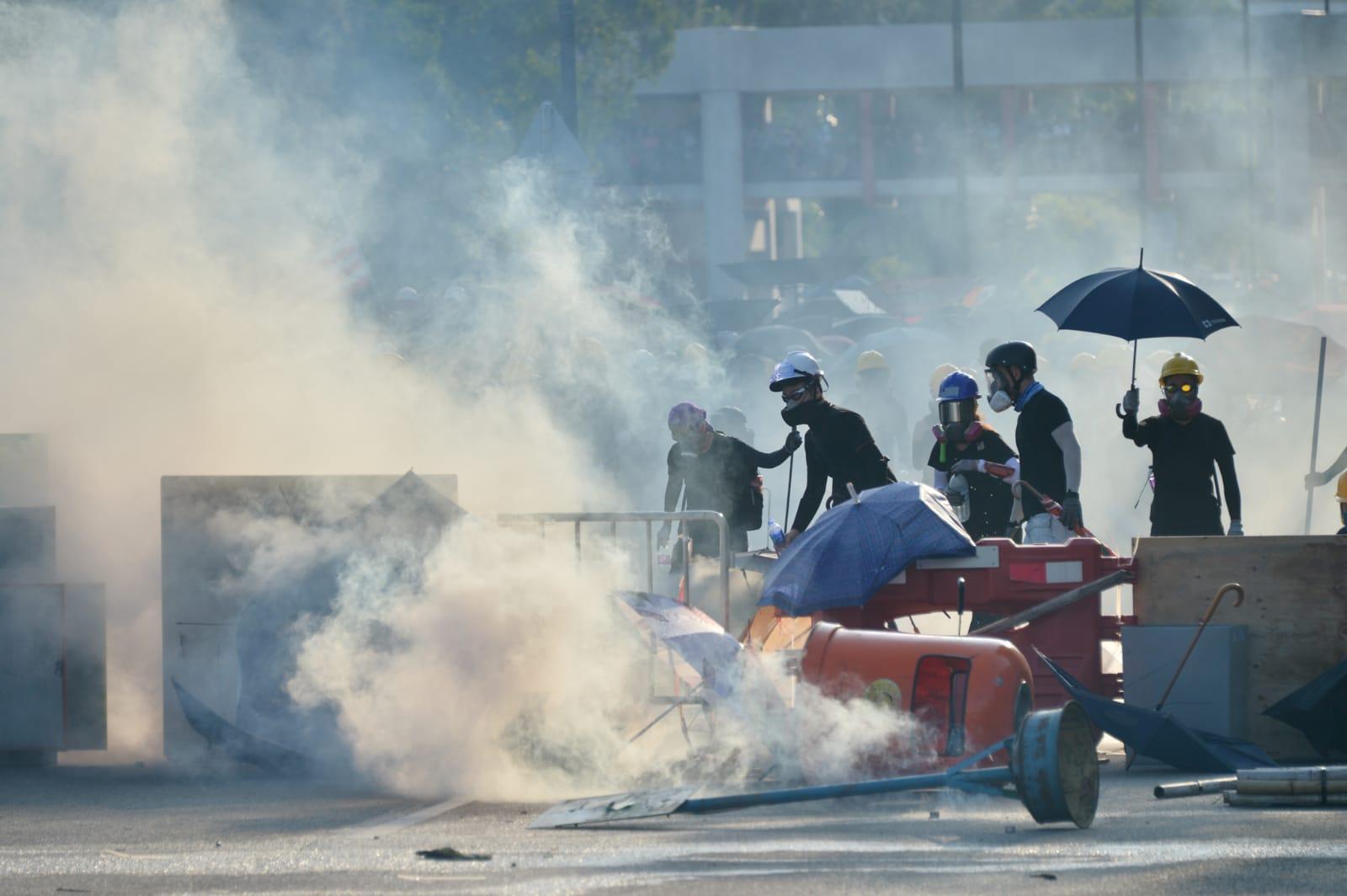 港府修訂《逃犯條例》風波觸發連串示威抗議,並演變成警民衝突。
