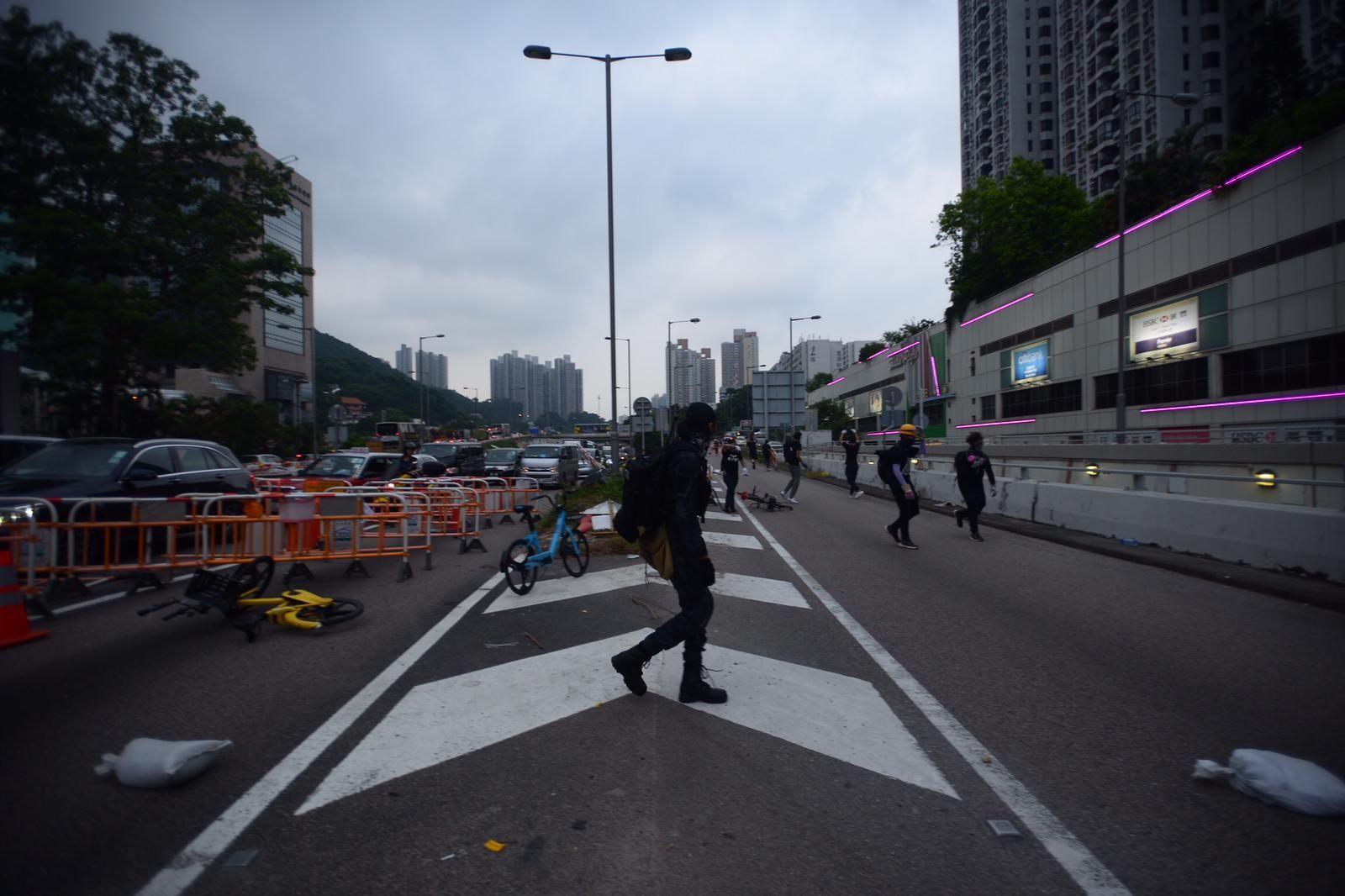 示威者快閃堵路