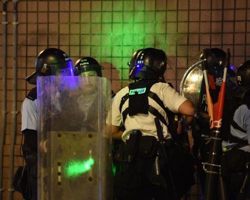 【逃犯條例】警方:近日9警員被雷射光線射中受傷 部分人仍未復工