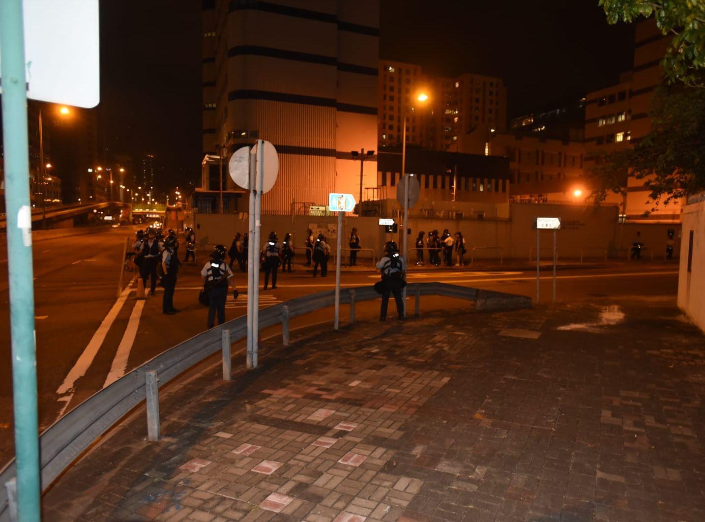 在牛頭角警署外的示威者已散去。