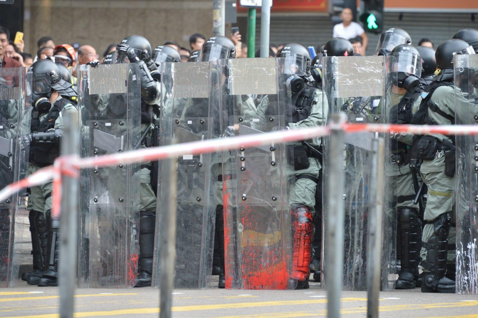 警方深水埗施放催淚彈驅散示威者