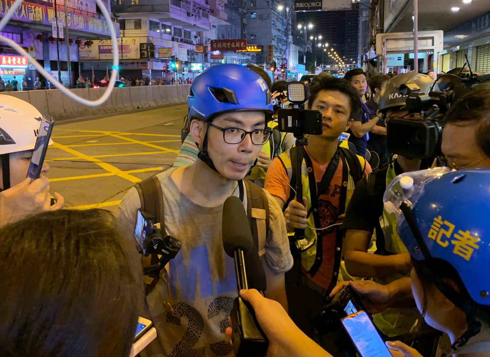 記者遇襲受傷。