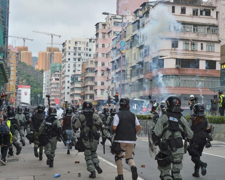 聲明呼籲市民「三罷」,直至涉嫌濫權濫暴的警員受法律制裁。