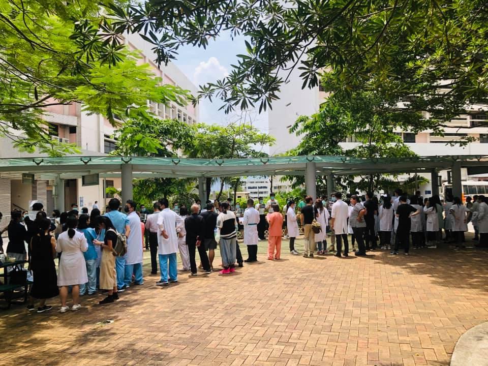 瑪嘉烈醫院有醫護人員舉行集會。 香港突發事故報料區fb/網民Lok Yanb圖