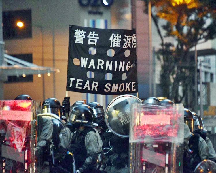 鄧炳強承認,警方要拘捕核心暴力示威者並不容易。
