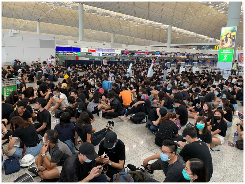 學界呼籲每日到機場集會。