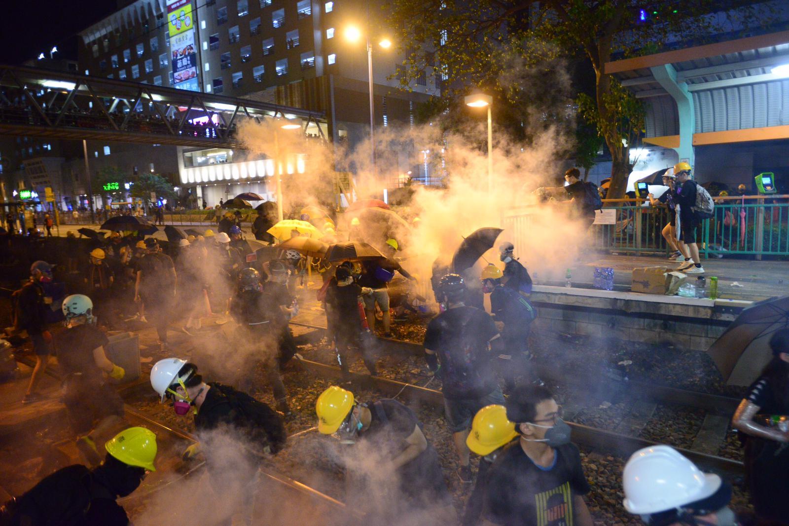 林鄭指中央對港府與警隊仍抱有信心,相信他們可應對目前危機。