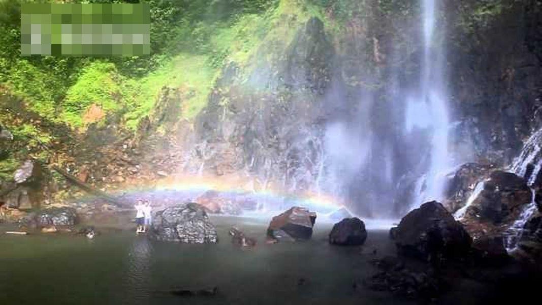 馬來西亞著名景點「彩虹瀑布」。網圖