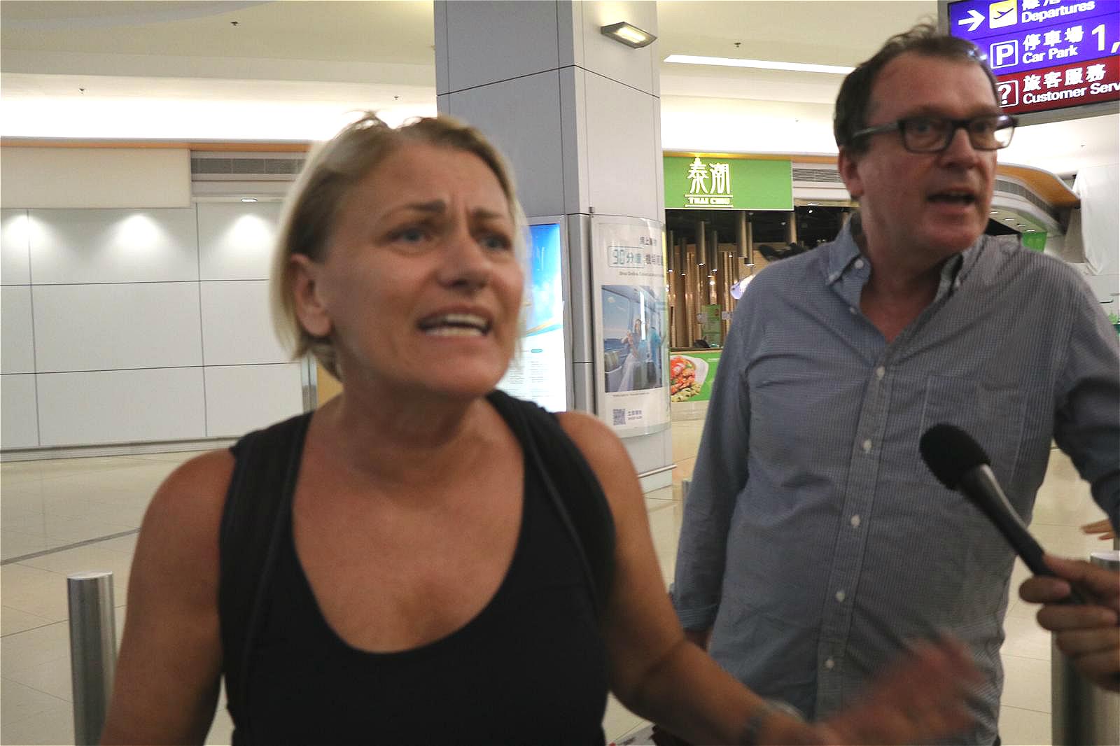 澳洲旅客滯留2日斥示威者不公平。