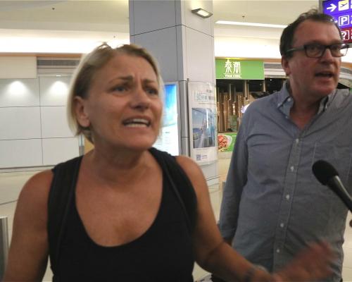 【機場集會】港客不滿機管局拒處理示威者 澳洲旅客滯留2日斥不公平