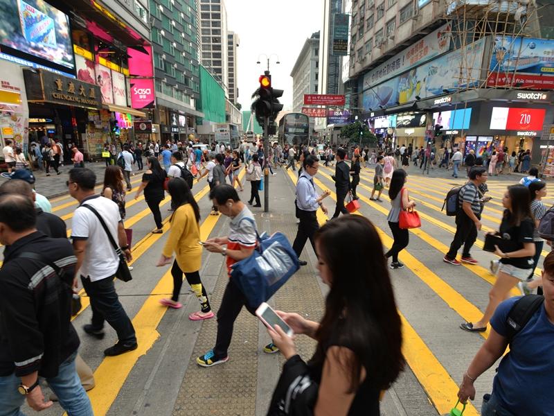 政府統計處公布最新數據,顯示本港人口今年年中首度突破750萬人。資料圖片