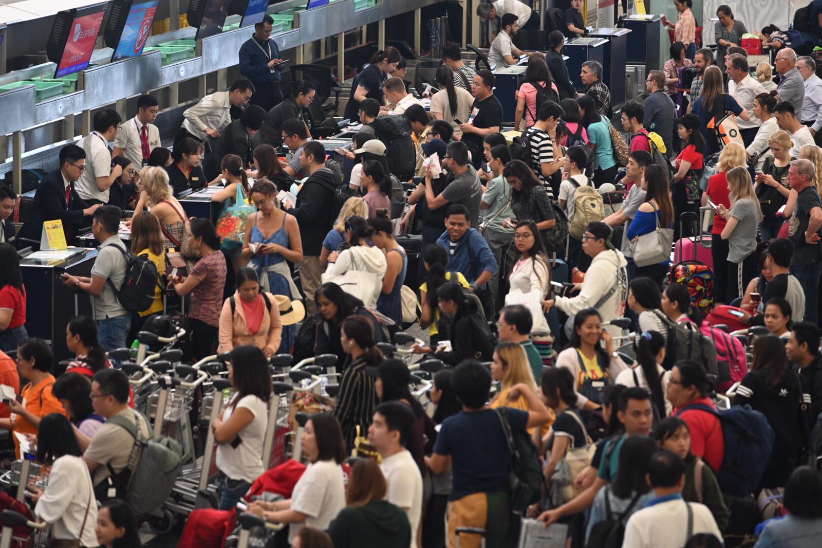 過去2日受機場示威活動影響,120個旅行團受影響。