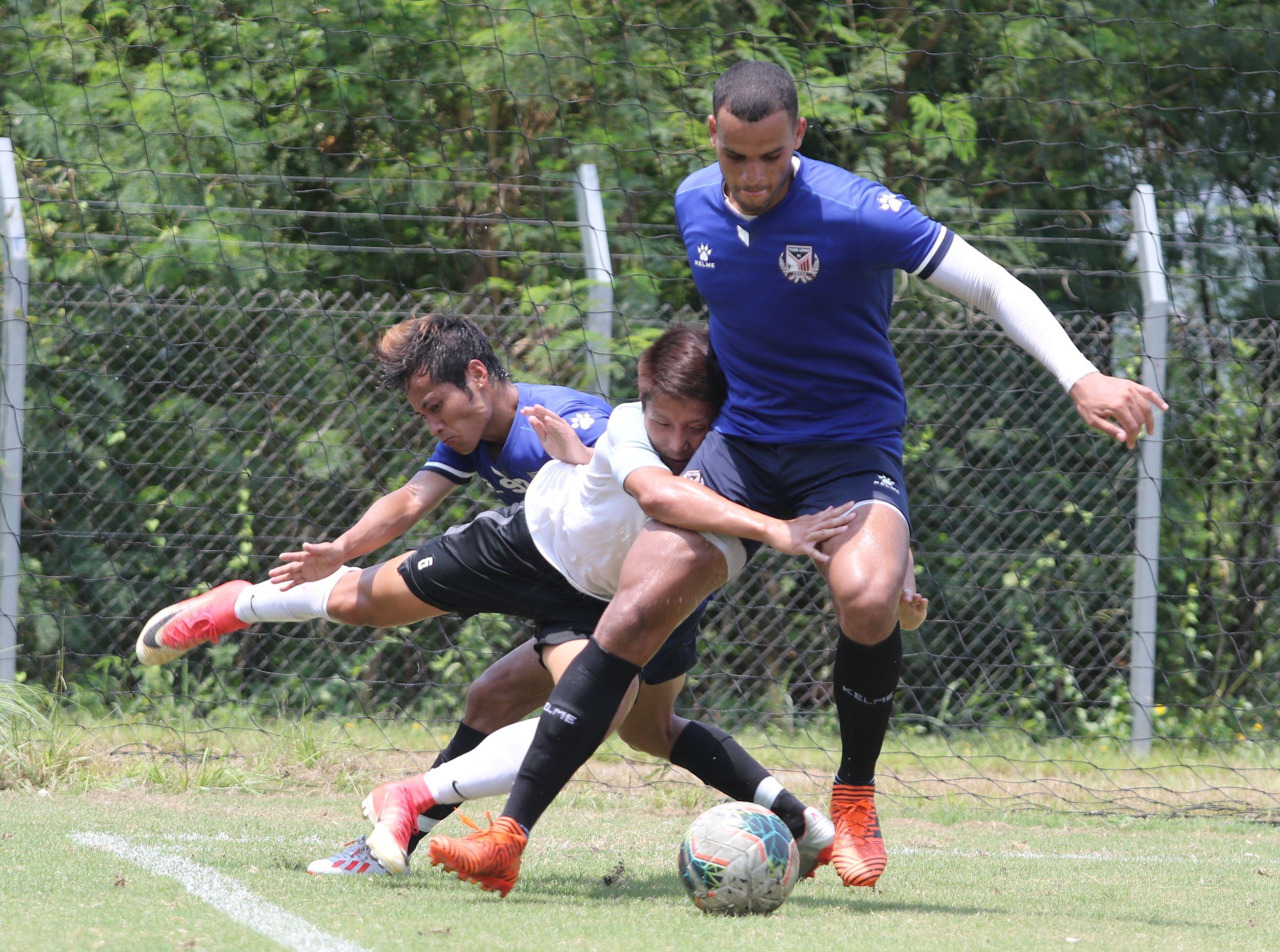 元朗(藍衫)友戰去季港超冠軍和富大埔,以2:1取勝。