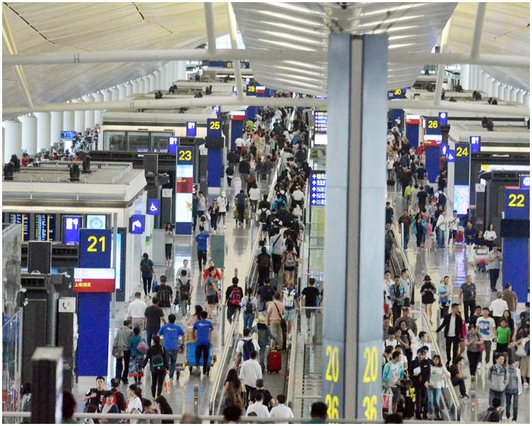 機鐵往機場方向每20分鐘一班。資料圖片