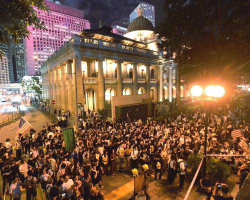 【逃犯條例】遮打花園集會團體指6萬人出席 警指最高峰7100人