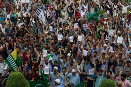 月初印度廢除所佔克什米爾地區的自治區特殊地位,引發民眾示威。AP