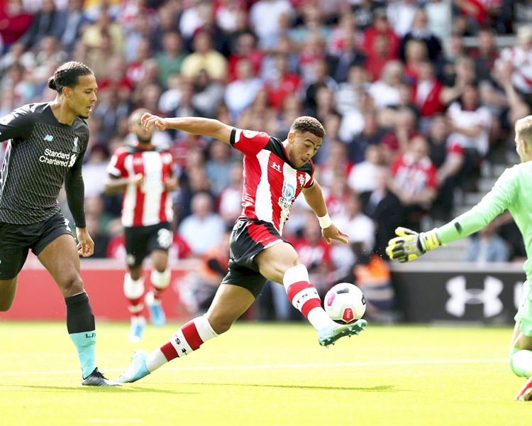 利物浦作客以2:1擊敗修咸頓。AP