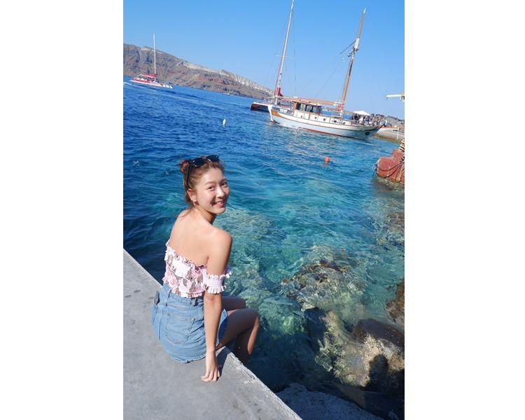 面對如此清澈的海水及美麗的陽光,笑容都特別甜啲。