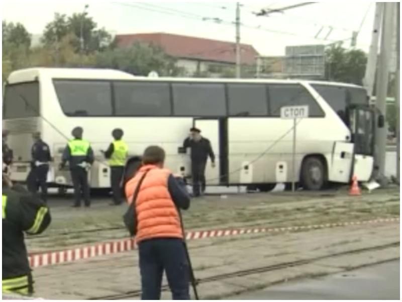 涉事巴士。網圖