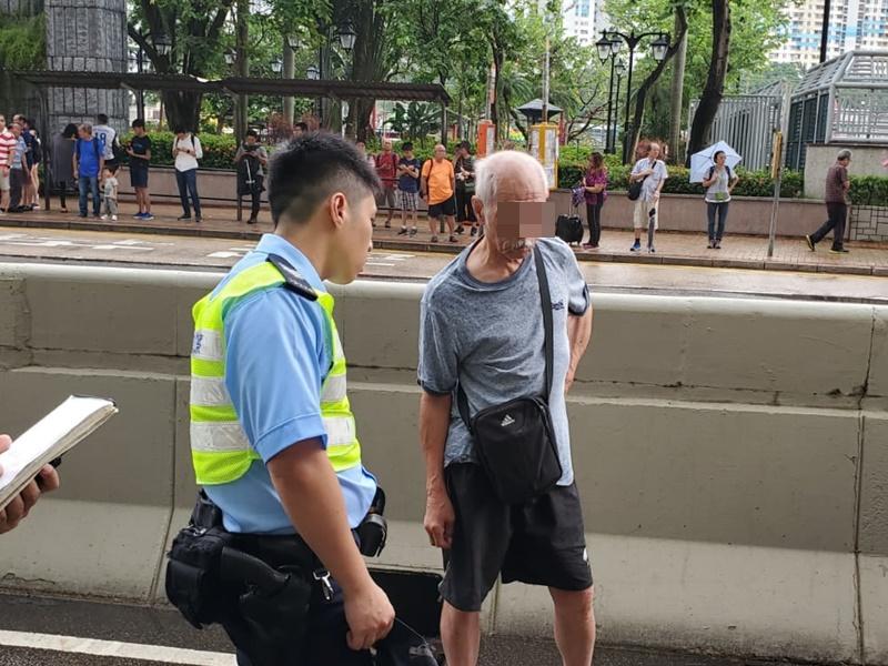 小巴司機協助警方調查。