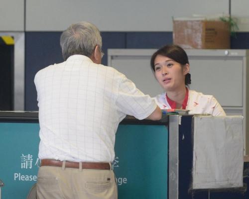 機管局加強保安 國泰暫停機場櫃檯售票