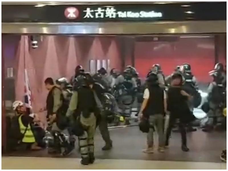 警方指當晚正準備拘捕,不是驅散。