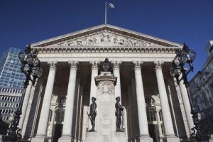 歐股高收 倫敦富時升72點收報7189