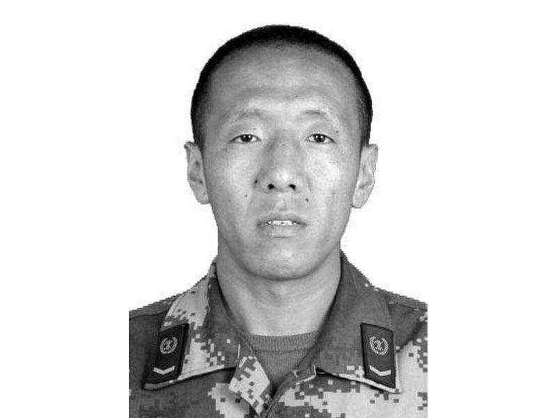 水磨鎮專職隊班長更斯窮(男、藏族、1986年10月生)不幸犧牲。(網圖)