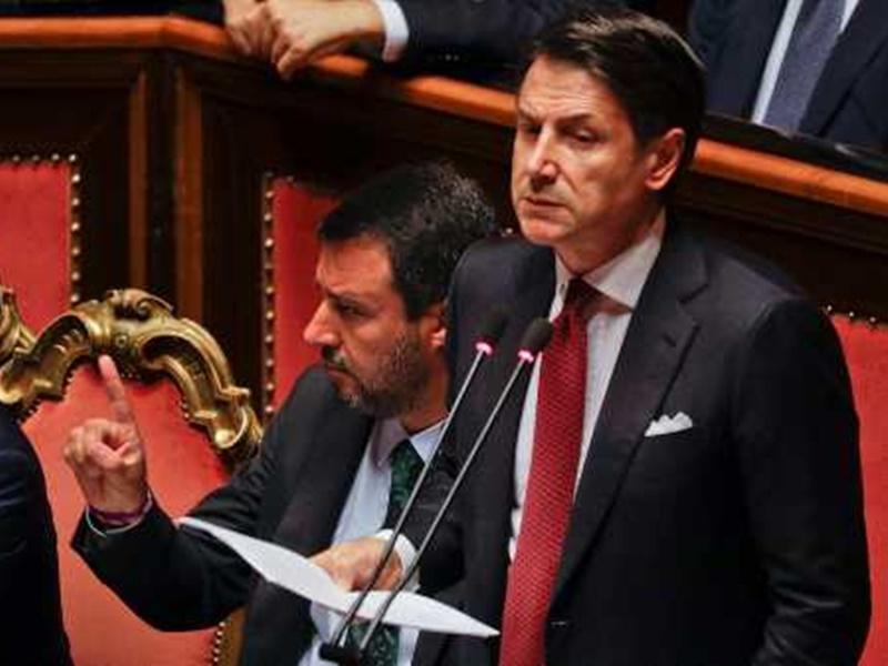 意大利總理孔蒂(右)。AP