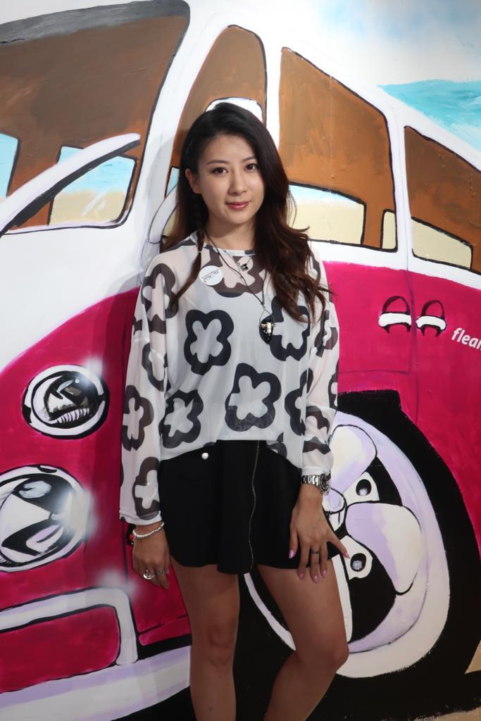 陳蕊蕊到旺角出席寄賣店開幕活動。