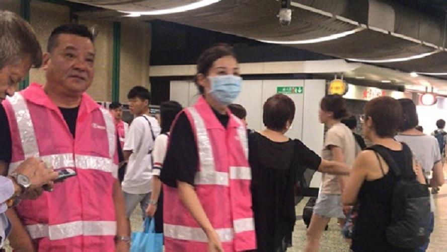 港鐵職員在場戒備。Kelvin Hang圖片