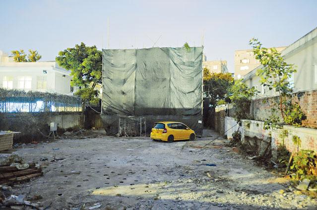 李小龍故居近日已被圍封,料最快下周開始清拆。