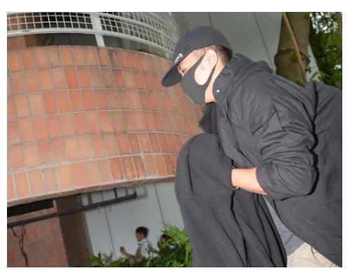 涉醫院虐打疑犯 2警及1離職警准保釋押10月再訊